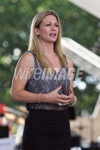 AJ Cook - National Memorial giorno concerto 2011
