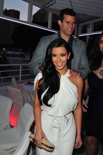 Amber Fashion প্রদর্শনী in Monte Carlo
