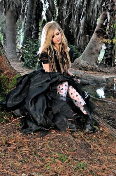 Avril Lavigne, Alice, Alice In Wonderland