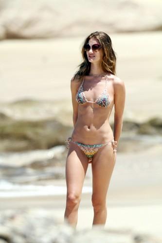 Bikini Candids at the tabing-dagat in Mexico