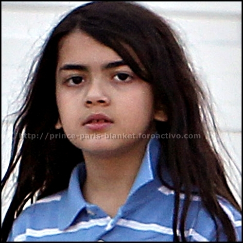 Blanket Jackson wolpeyper containing a portrait entitled Blanket