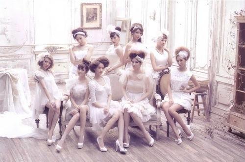 Girls Generation/SNSD 1st Japan Album Scans