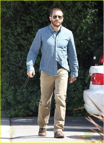 Jake Gyllenhaal: Buzz Cut Touch Up! - jake-gyllenhaal Photo