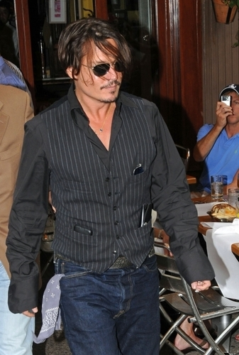 Johnny!! :D