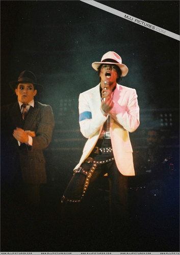 MJ's Bad Tour Pictures =]