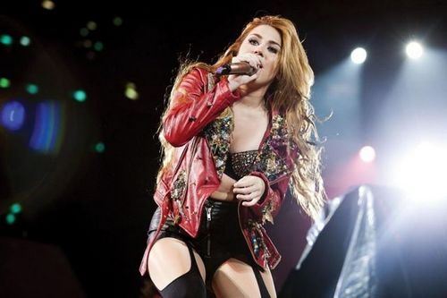 Miley - Gypsy jantung Tour (2011) - On Stage - Mexico City, Mexico - 26th May 2011