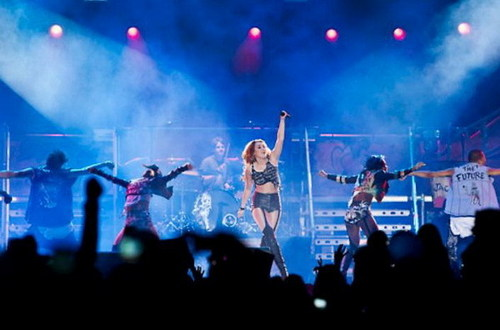 Miley In Tour:Part 1