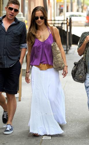 Minka Kelly is seen leaving a Starbucks in New York, May 28