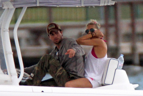 On a barco with Anna Kournikova