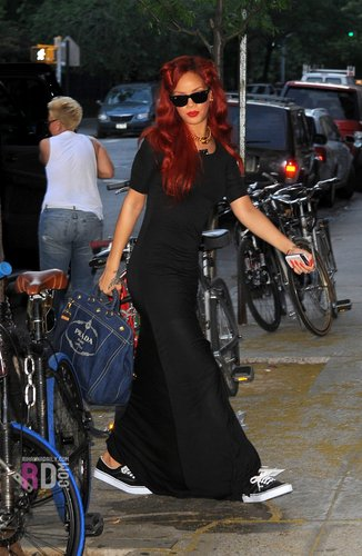 Rihanna - Heading to the East Side Ink tattoo parlor in NYC - May 28, 2011