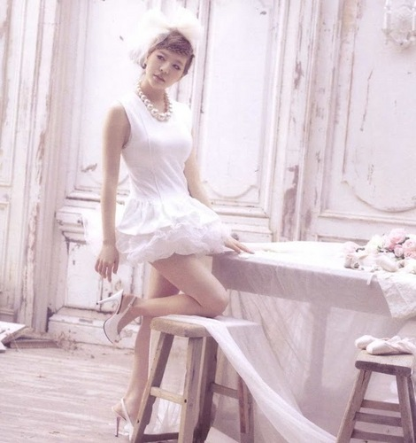 Sunny 1st Japanese Album Scans