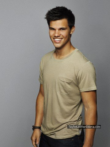 Taylor/Jacob Fan Girls wallpaper possibly containing a hunk entitled Taylor Lautner