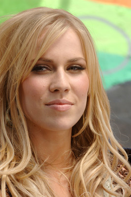 natasha bedingfield shake up christmas