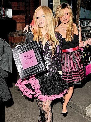 avril shopping