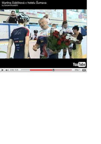 coach gives Martina red roses, the symbol of love