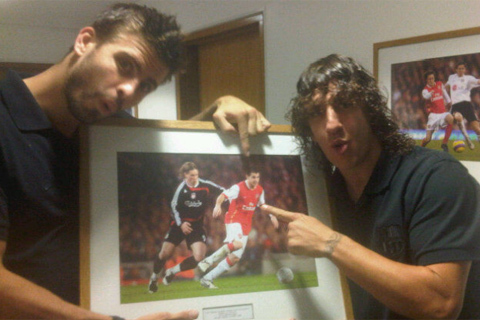 pique play with puyol