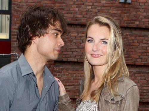 Alexander Rybak fond d'écran entitled Alex and Maria