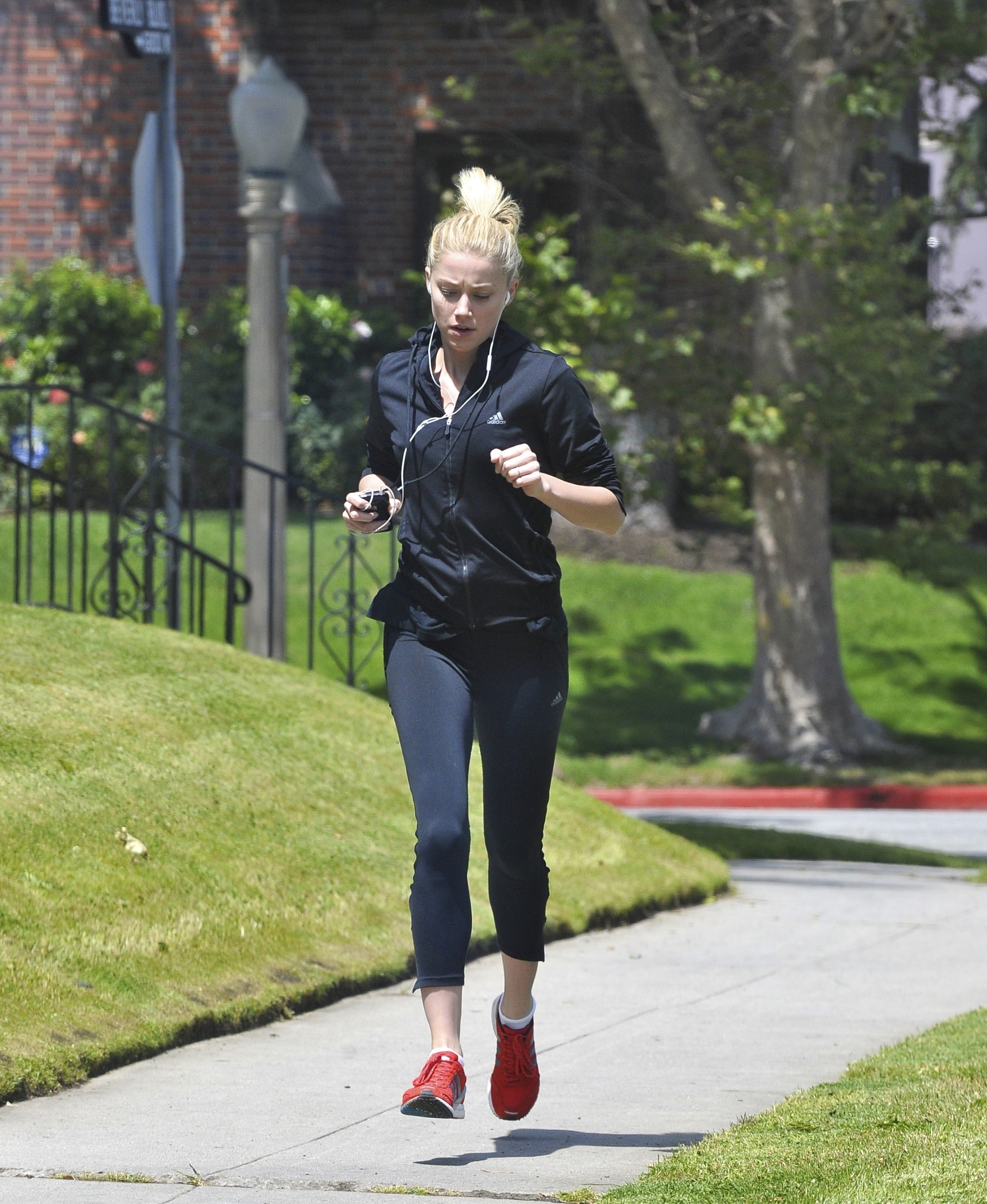 Amber Heard out for a Jog in