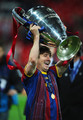 Barcelona Return ホーム ビクトリアス With Champions League Trophy (Lionel Messi)