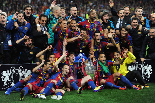 Barcelona Return halaman awal victorious With Champions League Trophy (Lionel Messi)