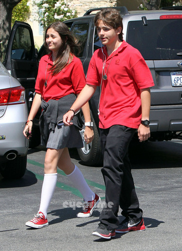 HQ-Prince and Paris On Their Way To Schauspielen Class 5/31/2011