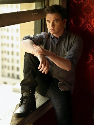 Jesse McCartney wallpaper probably containing a living room, a well dressed person, and a penal institution titled Jmac-Sexy
