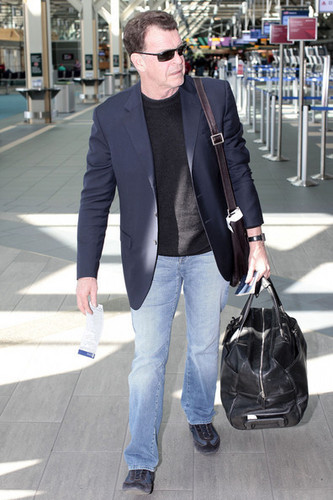 John Noble Catching A Flight At Vancouver Airport