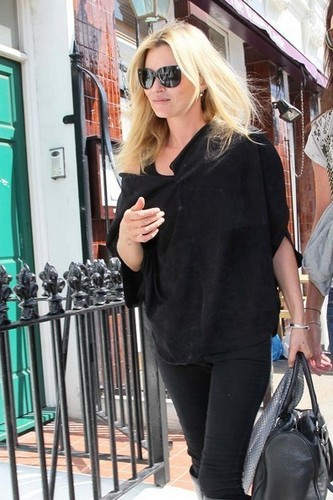 Kate Moss has lunch with her daughter Lila Grace Moss