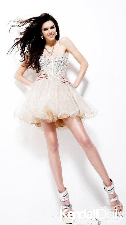 Kendall Jenner ' Prom Dresses Photoshoot '
