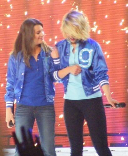 l & D ♥ Glee Live Tour 2011