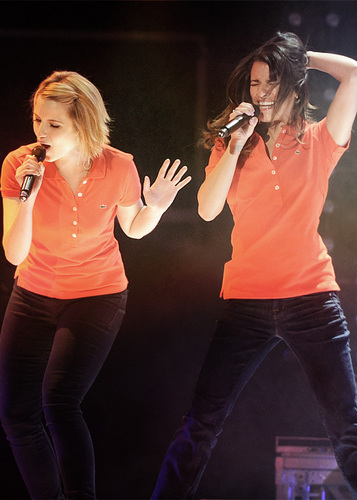 Lea&Dianna @Glee Live! 2011