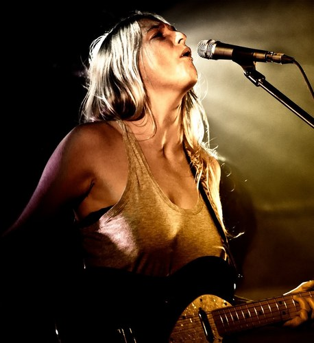 Lissie Performing in Glasgow