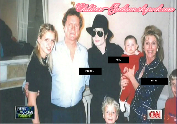 http://images4.fanpop.com/image/photos/22500000/Paris-jxn-Michael-and-Hilton-family-prince-michael-jackson-22520975-600-422.png