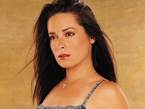 Piper Halliwell wallpaper with attractiveness and a portrait entitled Piper Wallpaper