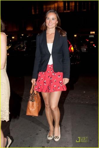 Pippa Middleton: Night Out in Paris!