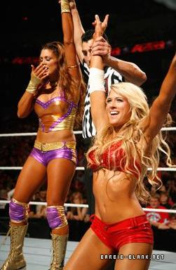 Raw 30.05.11 | Kelly & Eve vs. Bella Twins.