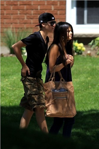 Selena Gomez wolpeyper entitled Selena - Hanging Out With Justin Bieber In Toronto - June 1, 2011