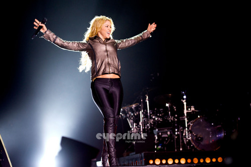 Shakira Performs live in Concert in Madrid, June 3