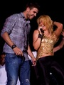 Shakira and Piqu are embarrassing vulgar behavior - youtube photo