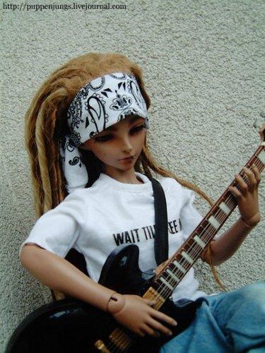 Tom & Bill Kaulitz fond d'écran possibly with a guitarist called Tom&Bill as dolls!;-)