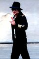 Waving to the Fans! ♥ - michael-jackson photo