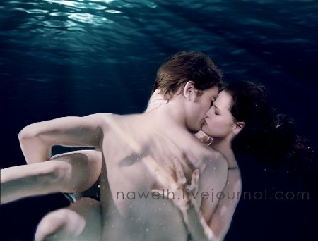 breaking-dawn-edward-bella-underwater-kiss
