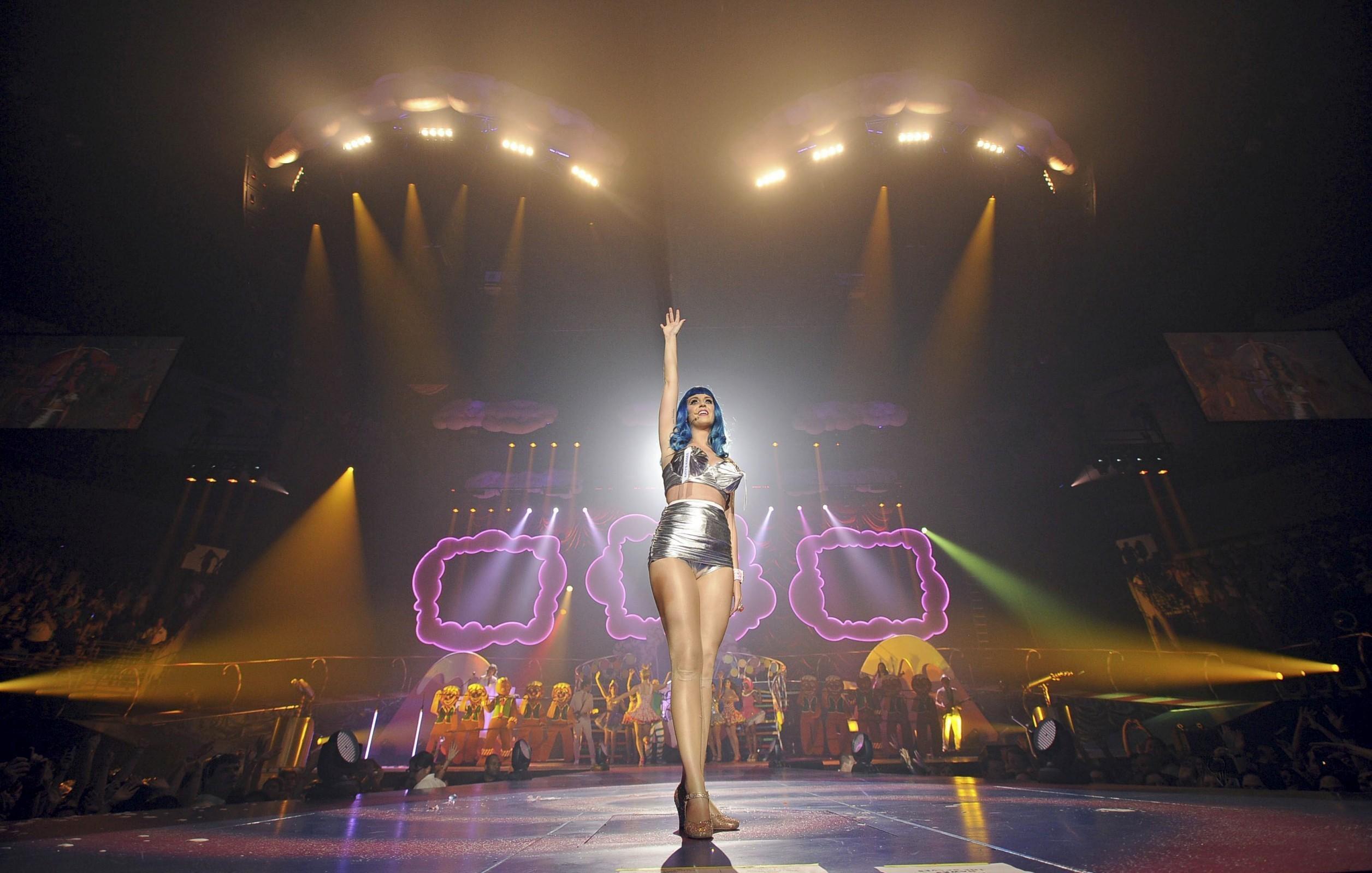 """""""California Dreams Tour 2011?"""