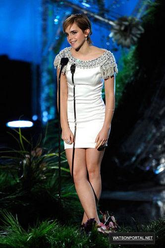 June 5th - MTV Movie Awards - tunjuk
