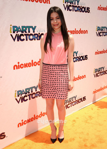 """""""iParty With Victorious"""" Screening in Hollywood"""