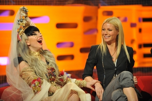 05.13.11 - The Graham Norton hiển thị