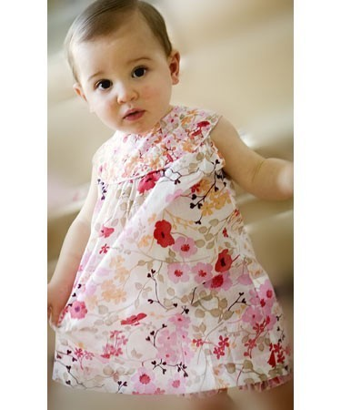 bayi wallpaper possibly with a nightwear called 123