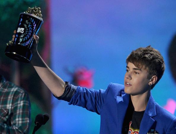 justin bieber movie 2011. 2011 MTV Movie Awards - Show