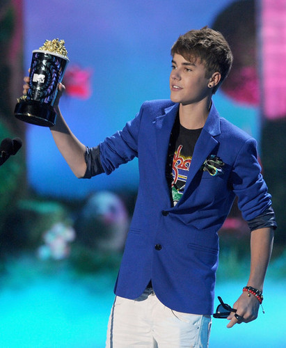 2011 MTV Movie Awards - onyesha (Justin Bieber)