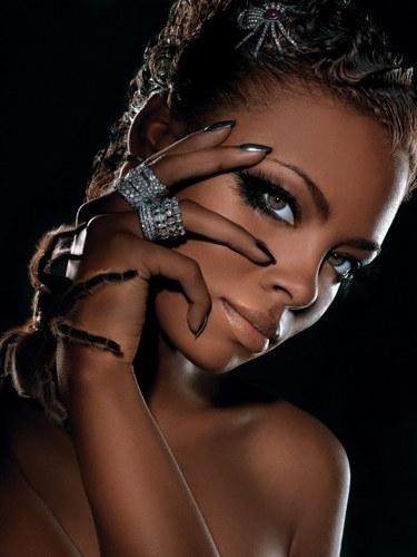 http://images4.fanpop.com/image/photos/22600000/America-s-Next-Top-Model-Photoshoot-Eva-with-a-Tarantula-eva-pigford-22641622-375-500.jpg